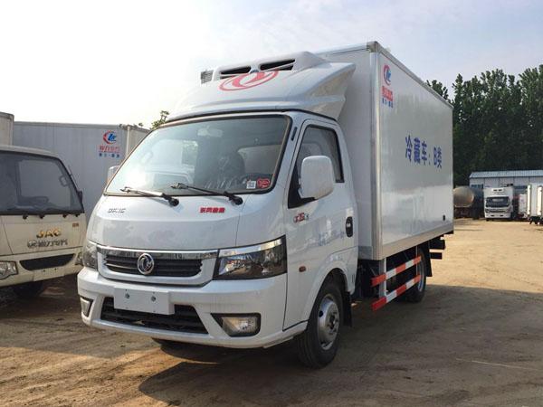 东风途逸3.7米冷藏车