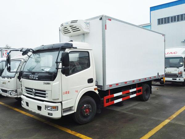 东风多利卡5.2米冷藏车