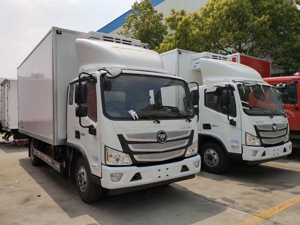 福田欧马可S3一排半5.2米冷藏车
